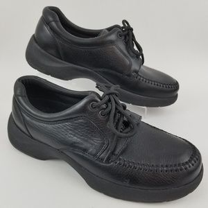 Dexter Lace-Up Shoes Size 8M